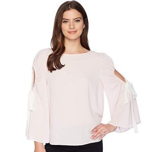 Vince Camuto Womens Bell Sleeve tie Cold Shoulder